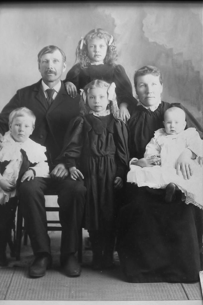 Soren's American Family. c. 1898. Back row: Soren Severson, Julia, Sigrid Larson; front row: Sigurd, Jennie, Lawrence.